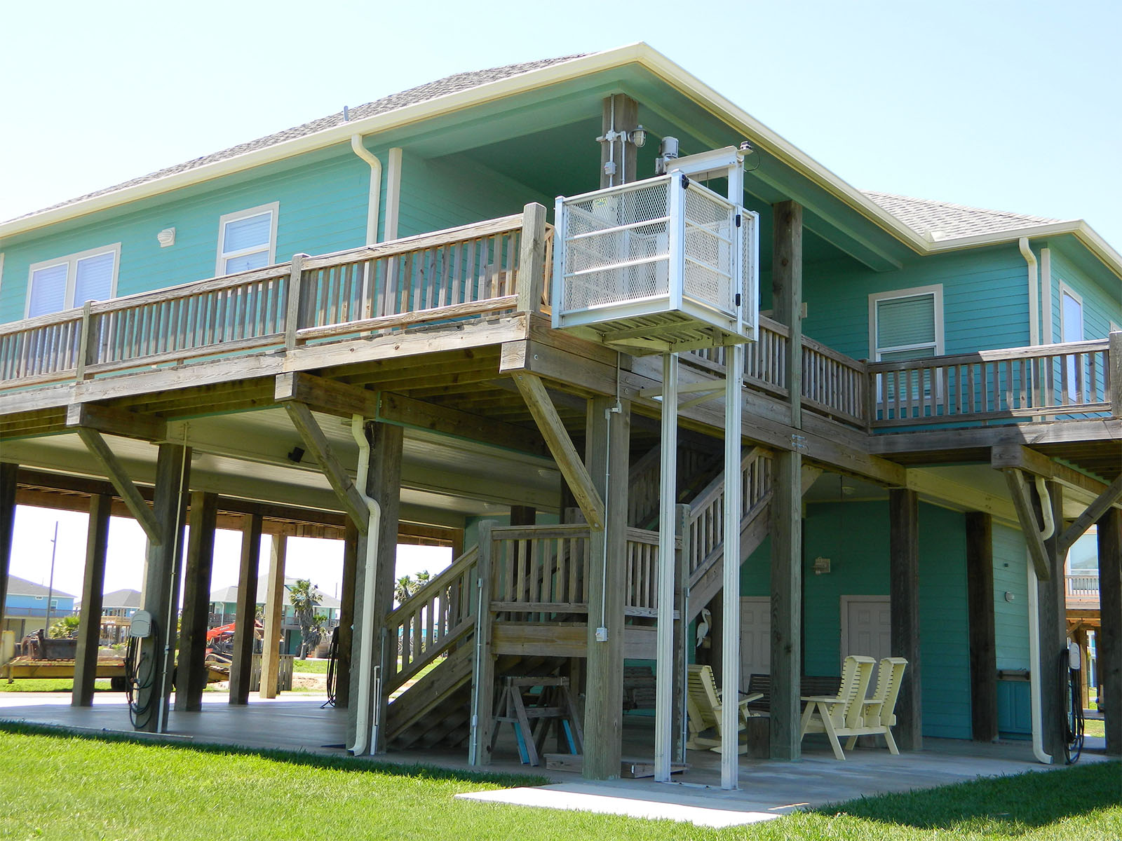 Gallery easylift beach house cargo lifts for Beach house lifts
